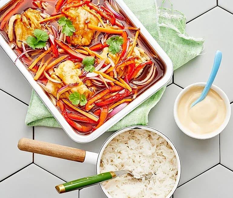 Ingefära-och sojabakad fisk och grönsaker