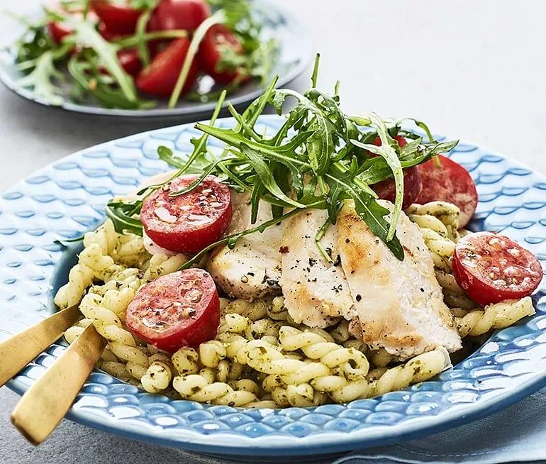 Vitlöksstekt kyckling med pastapesto