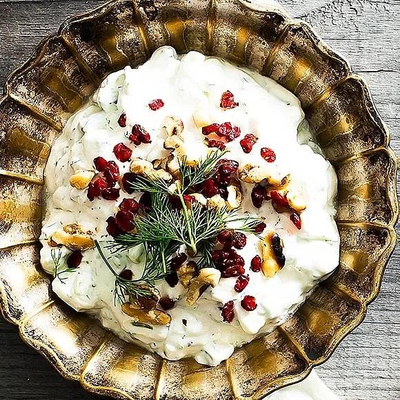 Persisk tsatsiki med valnötter