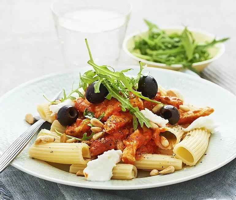Kyckling med tomatsås och mozzarella