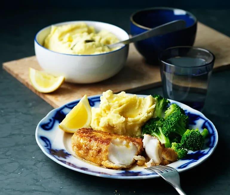 Panerad fisk med potatismos