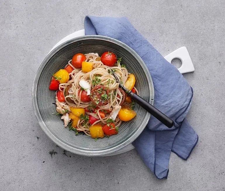 Spaghetti med balsamicostekta grönsaker och mozzarella