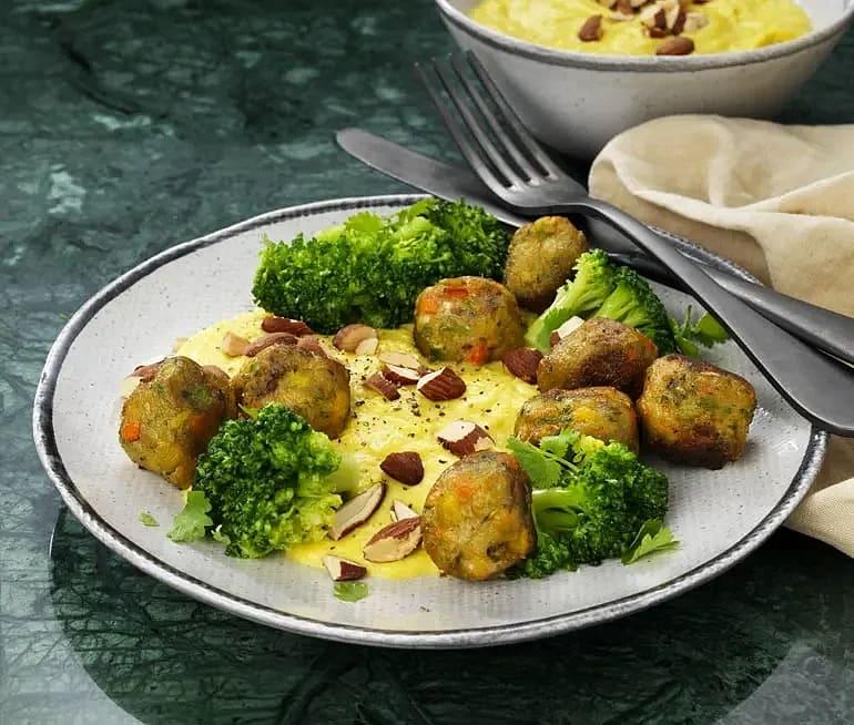 Grönsaksbullar med majs- och blomkålskräm