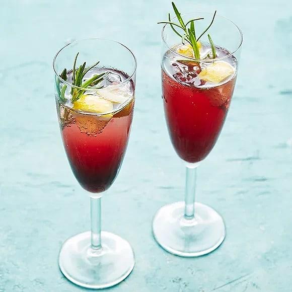 Vinbärsbubbel med rosmarin