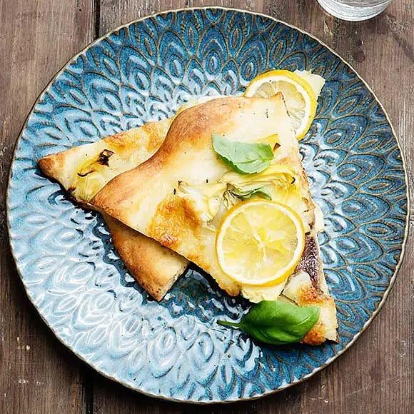 Pizza bianca med sardeller och citron