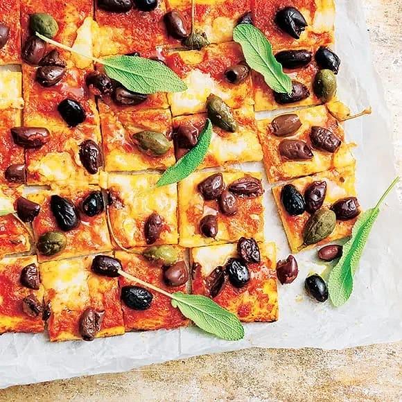 Oliv- och salviapizza