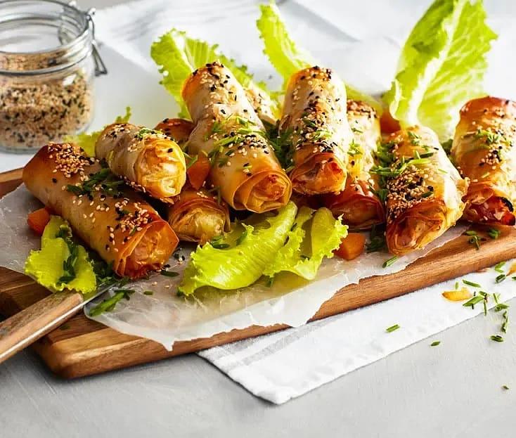 Filorulle med kryddstekt kyckling, lagrad ost och valnötter