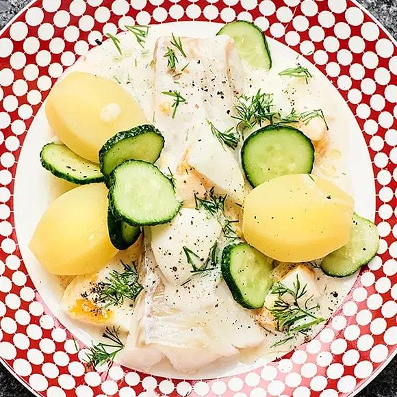 Ugnsbakad torsk med anjovis- och äggsås