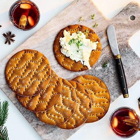 Kanelknäcke med syrlig ost – och äppelröra
