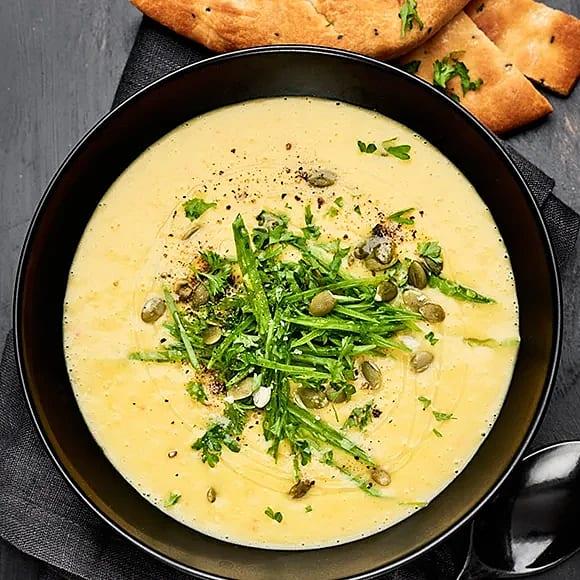 Pumpasoppa med curry och kokosmjölk