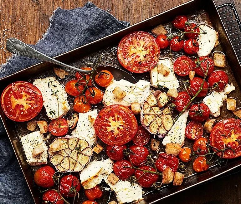 Ugnsbakade tomater med fetaost och timjan
