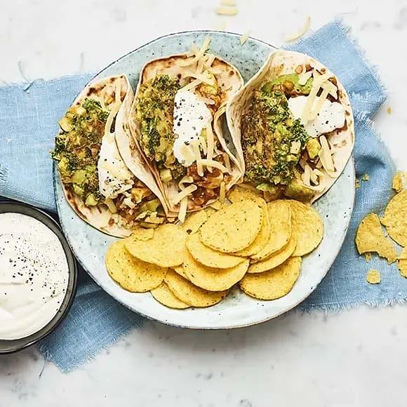 Enkla vegotacos med rostad majs och avokadosalsa