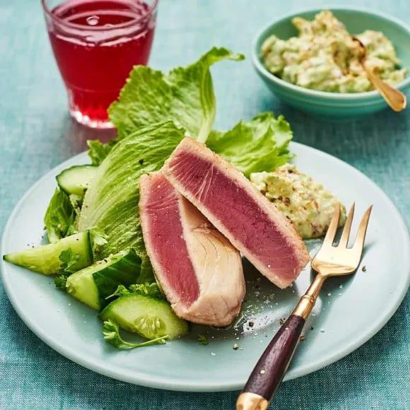 Halstrad tonfisk med avokadoröra