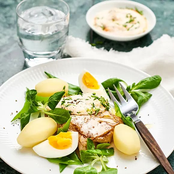 Halstrad torsk med rom- och gräslökssås