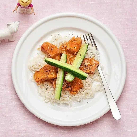 Korvstroganoff med ris och gurka