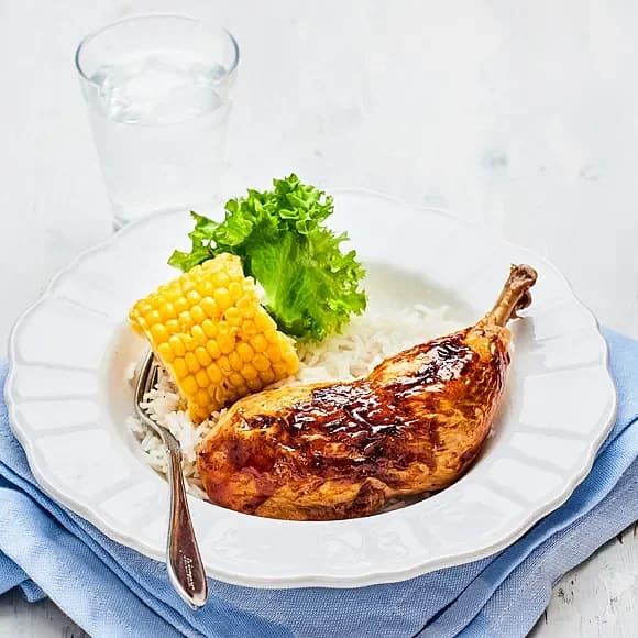Kycklingklubba med bbq-sås och majs