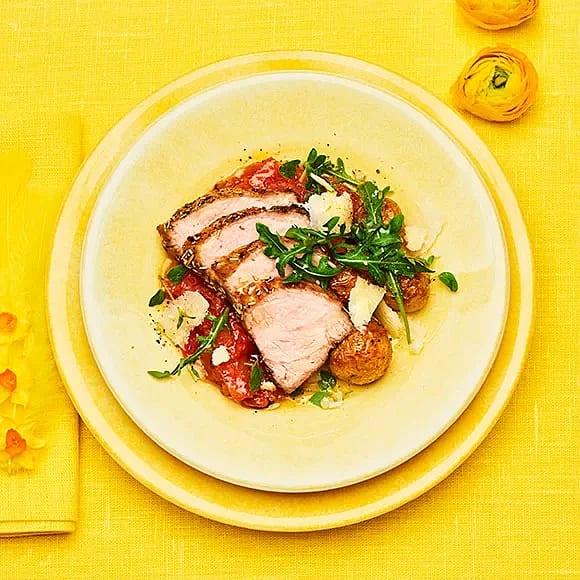 Rapsgriskarré med tomat och parmesan
