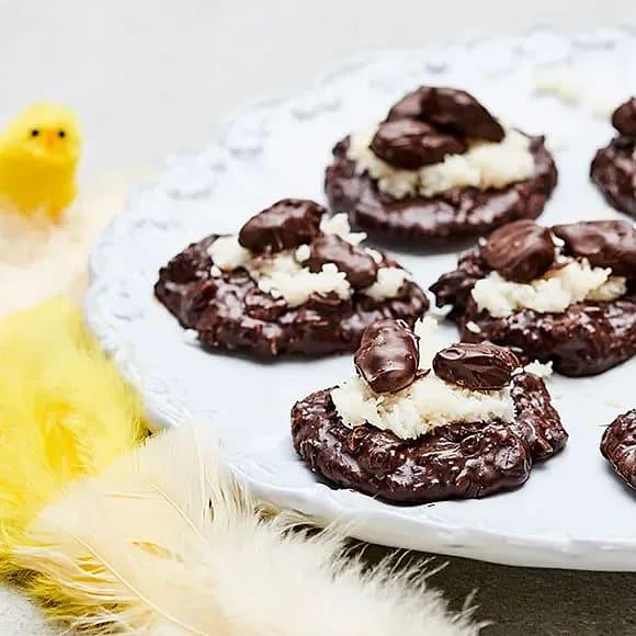 Fågelbon i kokos med chokladägg