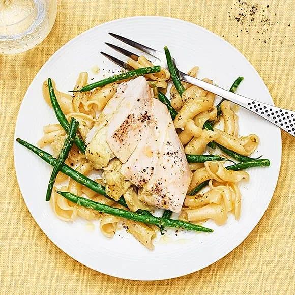 Pestofylld kyckling med pasta