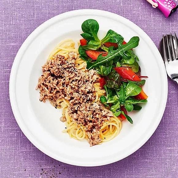 Ljus köttfärssås med pasta