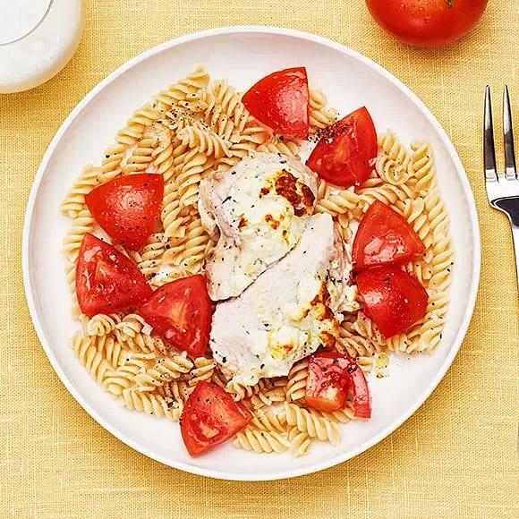 Fetaostgratinerad kyckling med pasta