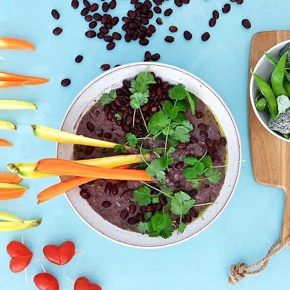Frijoles – böndipp med chili och färsk koriander