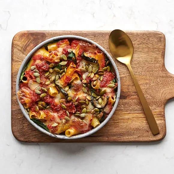 Pastagratäng med rostade grönsaker och mozzarella