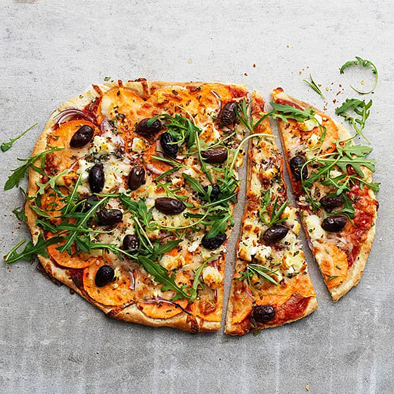 Pizza med sötpotatis och getost