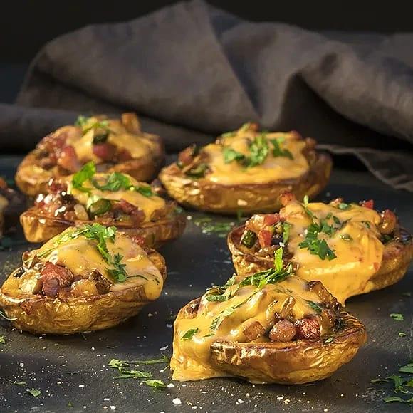Cheesy chili potatoes