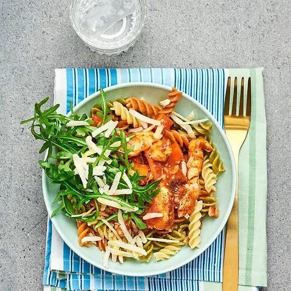 Kycklingpasta med ruccola och parmesan