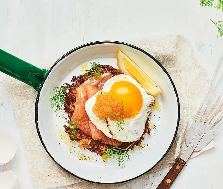 Fänkålsråraka med stekt ägg och fänkålsdill