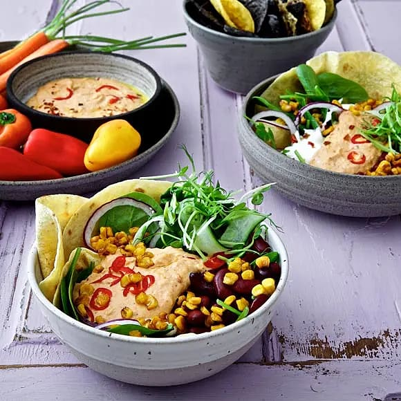 Vegotacos med bönor, rostad majs och chilihummus