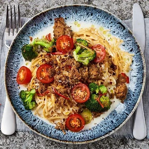 Bönspaghetti med chili, vitlök, broccoli och pulled oats