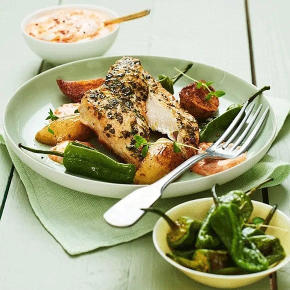 Timjanstekt kyckling med rostad pimiento och ajvarcrème