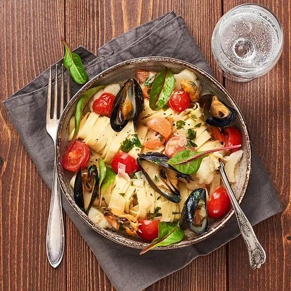 Vinkokta musslor med pasta