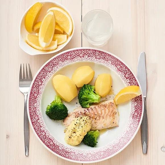 Fisk med broccoli och remoulad
