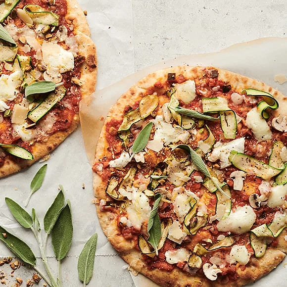 Pizza med zucchini, pistage och citron
