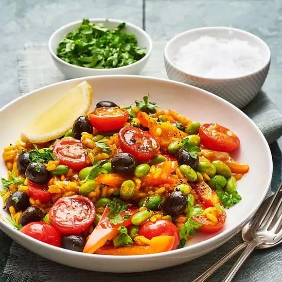 Paella med oliver och sojabönor