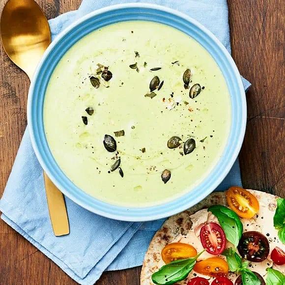 Broccolisoppa med flatbread
