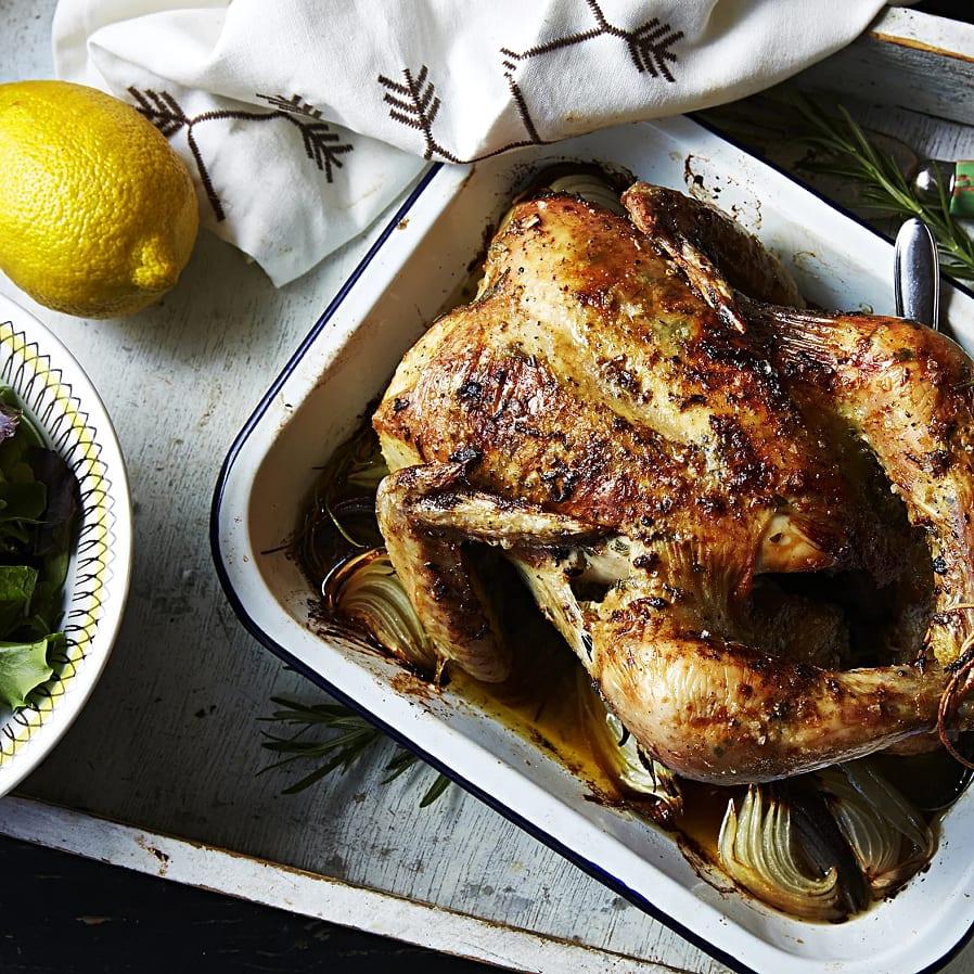 Hel kyckling med rosmarin- och citronsmör