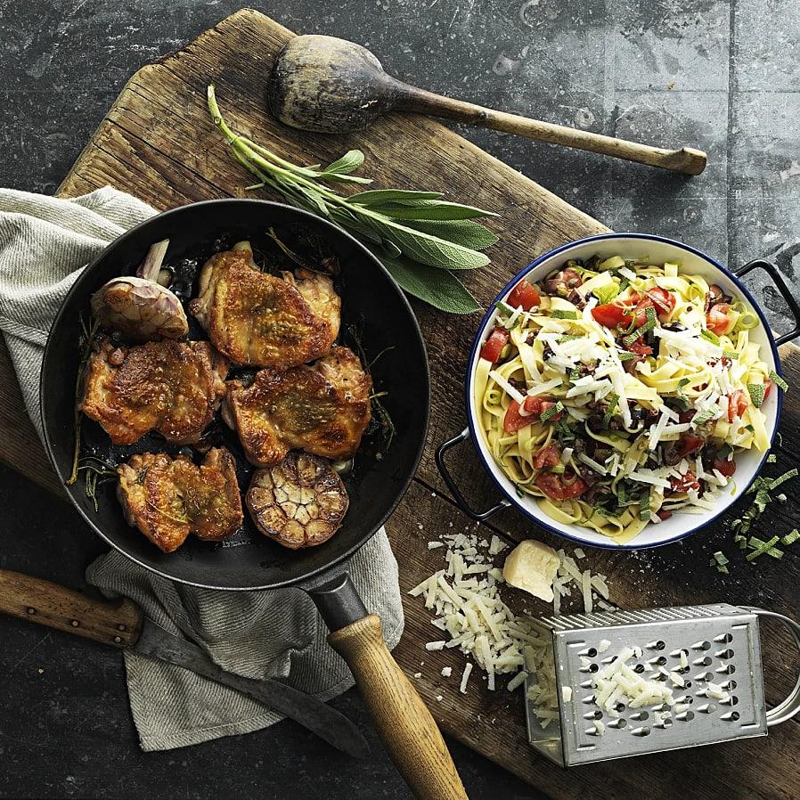 Pasta med salviastekt kyckling, kapris och oliver