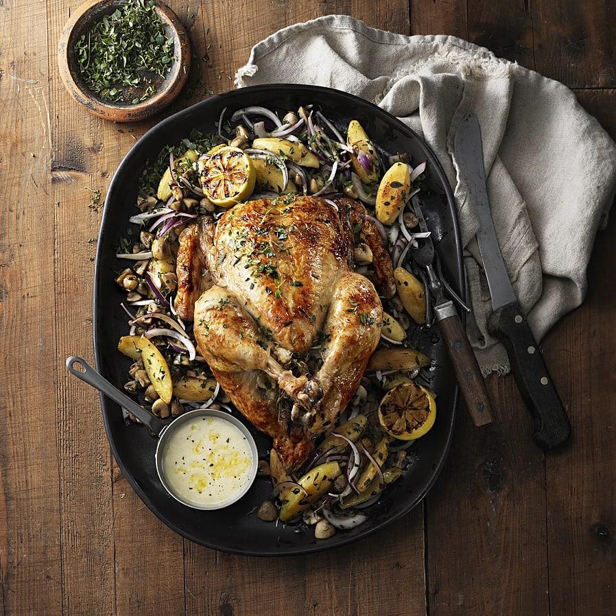 Hel kyckling i ugn med rostad mandelpotatis och citronsky