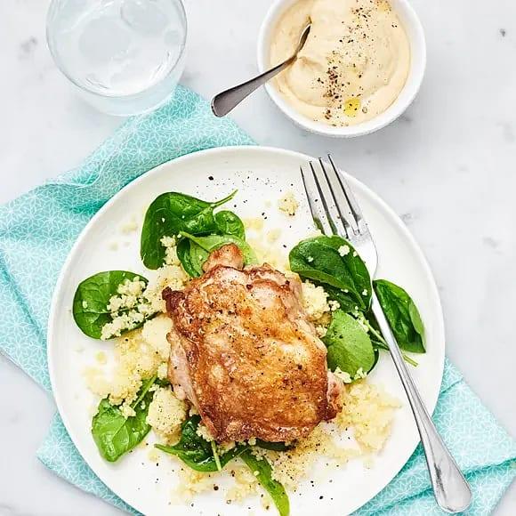Kycklingsteak med couscous och hummus