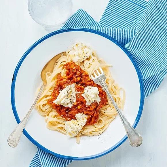 Pasta rosso med mozzarella