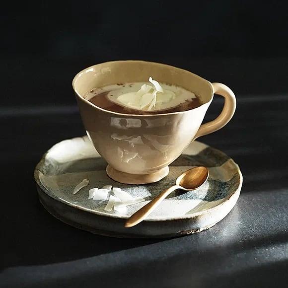 Varm choklad med vispad kokosgrädde