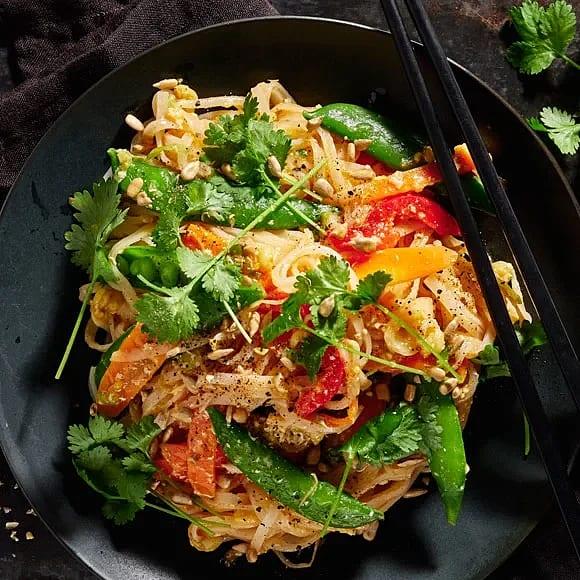 Pad thai med färdig sås och böngroddar