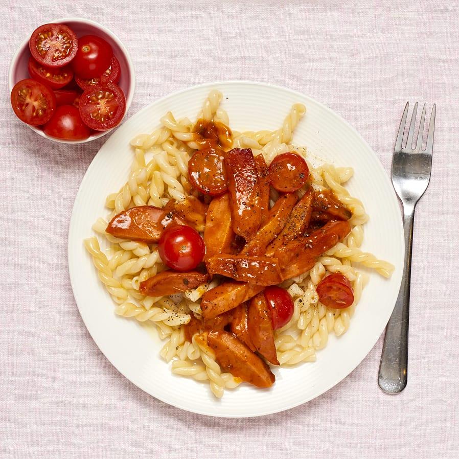 Korvgryta med krämig tomatsås