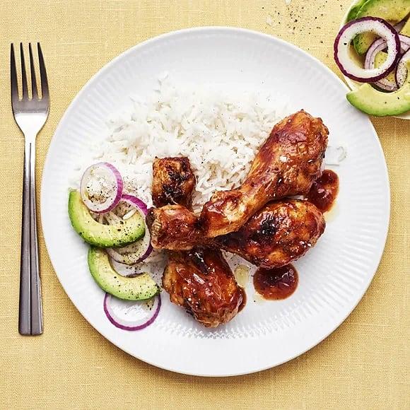 Chicken drumsticks med bbq-sås och avokado