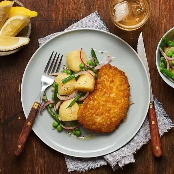 Vego-schnitzel med ljummen potatissallad
