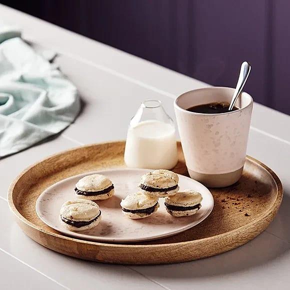 Macaron med kaffe och hasselnötscreme